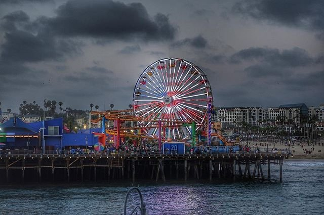 American flag displayed on Pacific Park's Ferris Wheel - photo by @edgarva11es on Instagram