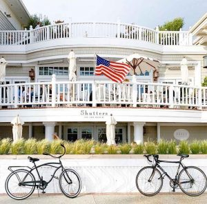 Coast restaurant at Shutters on the Beach offers outdoor dining by Santa Monica Beach