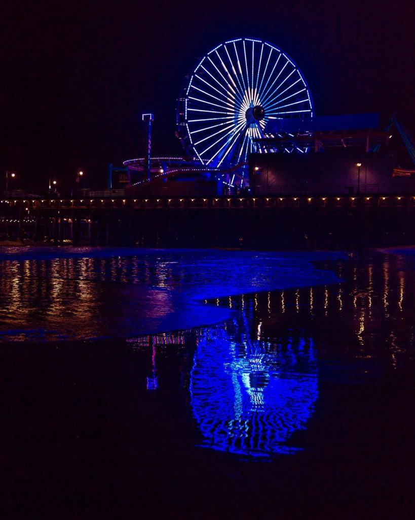 The Pacific Wheel in Santa Monica lights up blue for the LA Dodgers | photo by @fantomfoto