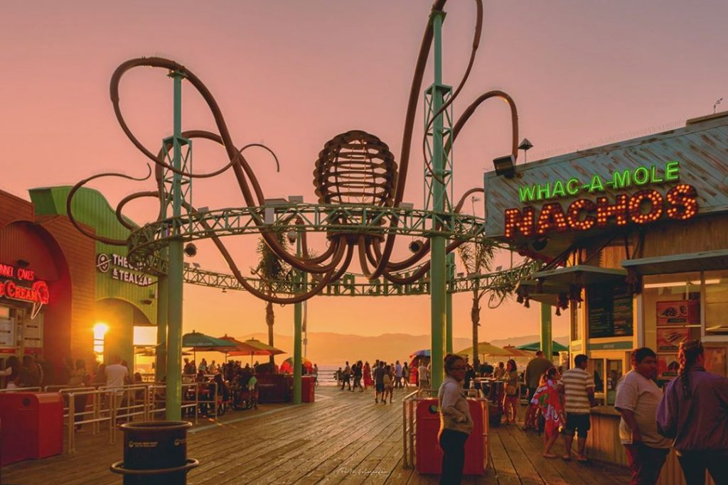 Pacific Park's Oceanside Dining Plaza | Photo by @pam_fotografia
