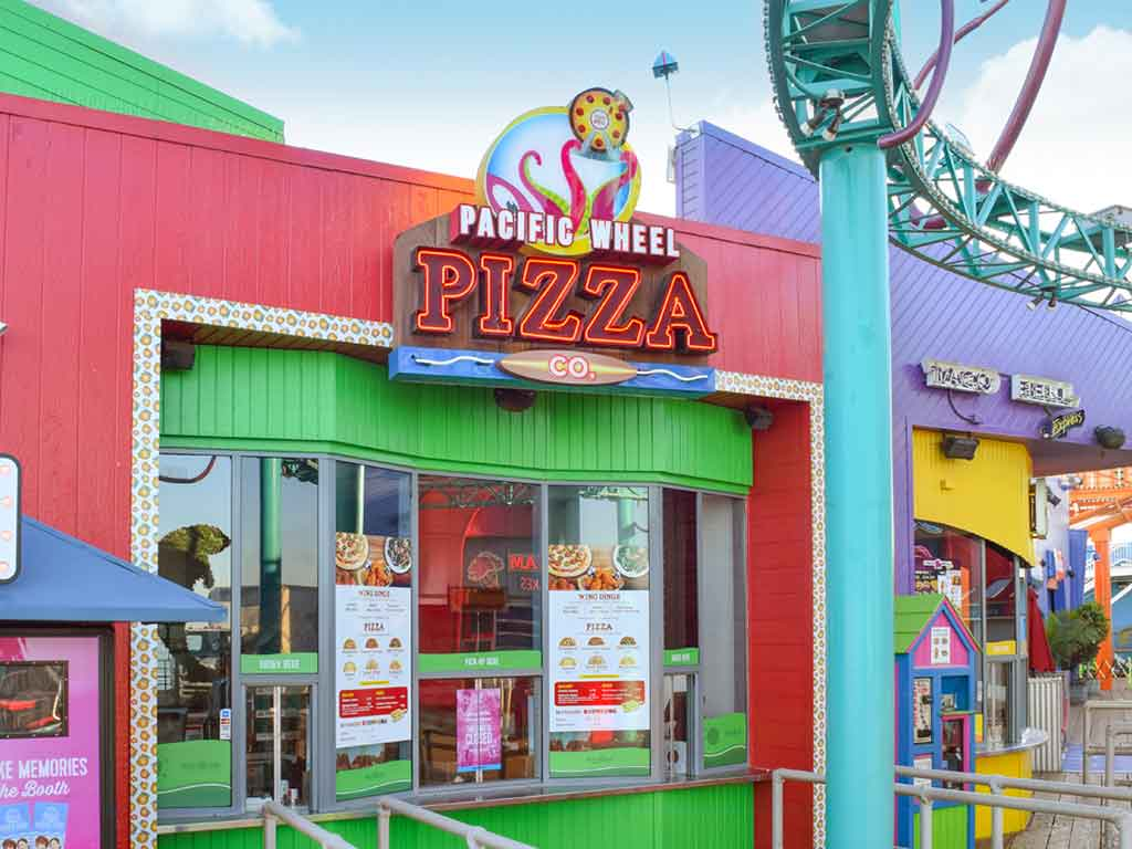 Pizza restaurant Santa Monica Pier