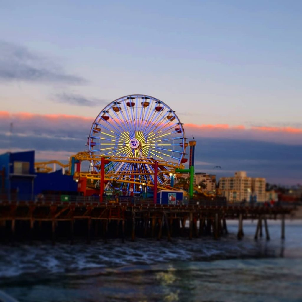 LA Rams Ferris wheel lighting at the Santa Monica Pier | Photo by @flyrefighter